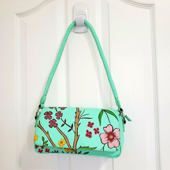 CNKW Floral Leather Purse